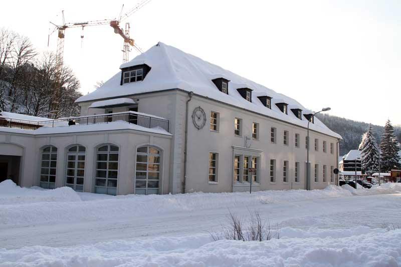 [表友吹水]圣诞前夕~冬季的格拉苏蒂小镇参观nomos表厂(转帖)